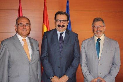 Fernández Sanz recibe al presidente de la Organización Médica Colegial