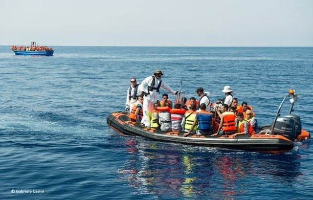 Barco MSF Phoenix rescata a 201 personas en el Mediterráneo