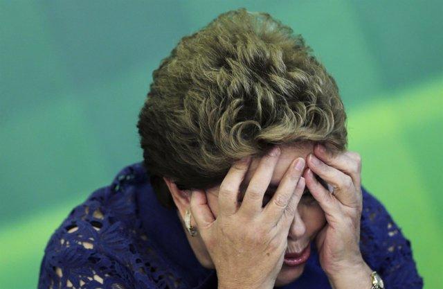 Dilma prepara reforma de ministérios segundo jornalista