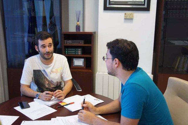 Los responsables del Instituto de la Juventud y del Consejo de la Juventud