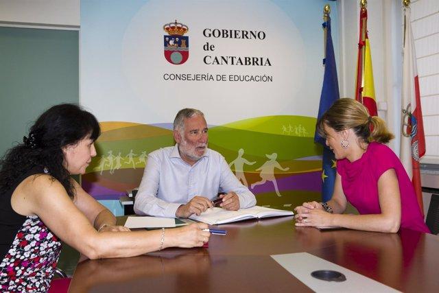 Ramón Ruiz, con Verónica Samperio y Rebeca Lanza