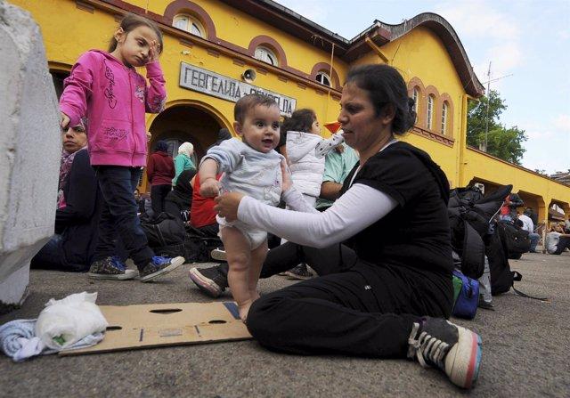 Inmigrantes en el paso de Gevgelija, Macedonia