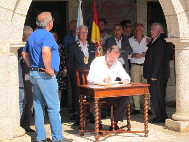 El presidente del Gobierno, Mariano Rajoy, visita Portomarín (Lugo)