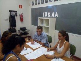 IU-AA exige el pago de las nóminas atrasadas a la plantilla del centro de mayores de Alcalá