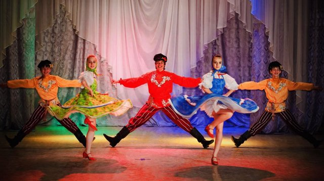 Grupo de danza ruso 'Olesya Petrasen'