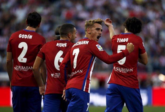 Griezmann rescata tres puntos para un Atlético verde
