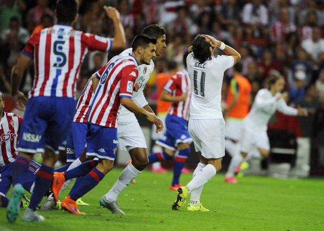 El Molinón deja a cero el estreno del Madrid
