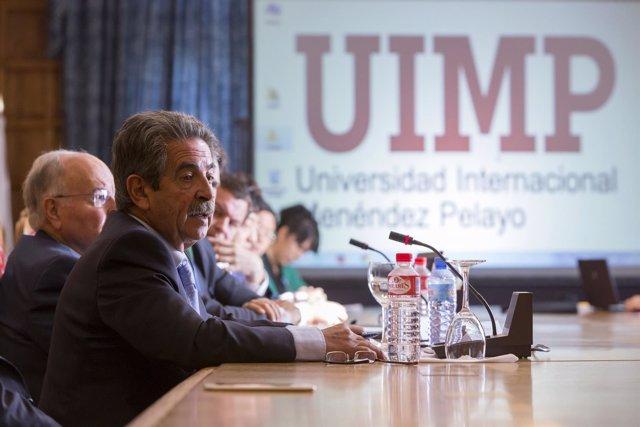 Revilla en el encuentro de la UIMP