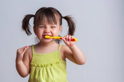 La mitad de los niños españoles, suspensos en cepillado de dientes