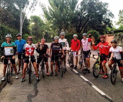 El atleta Chema Martínez recorre 700 kilómetros en bicicleta para luchar contra el Chagas
