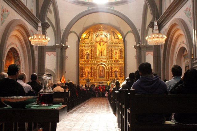 Iglesia, misa