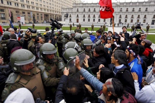 Enfrentamientos entre partidarios y detractores de la causa mapuche
