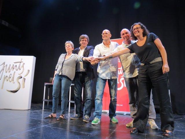 C.Castellví, C.Puigdemont, R.Romeva, Ll.Llach i M.Rovira (Junts pel sí).