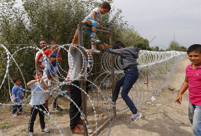 Refugiados sirios en la frontera Hungría