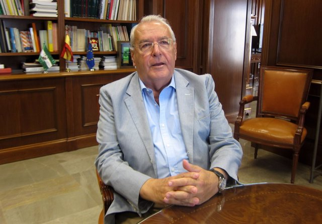 Subdelegado del Gobierno Jorge Hernández Mollar