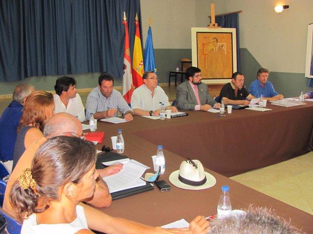 Reunión de los municipios abulenses afectados por una riada en la Diputación