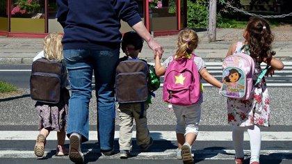 1  de cada 4  escolares acude a la consulta del médico por dolores de espalda