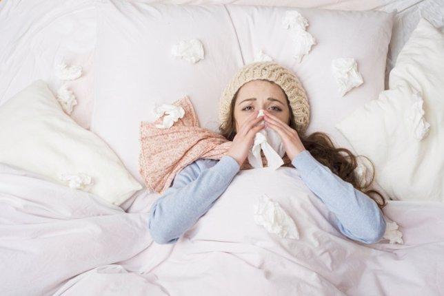 Mujer, gripe, resfriado, cama, enferma
