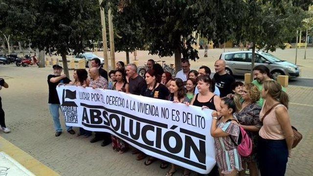 Concentración en la Alameda en apoyo a los acusados.