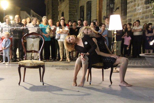 Un aspecto de la pieza de danza La habitación, de la Compañía La Casquería