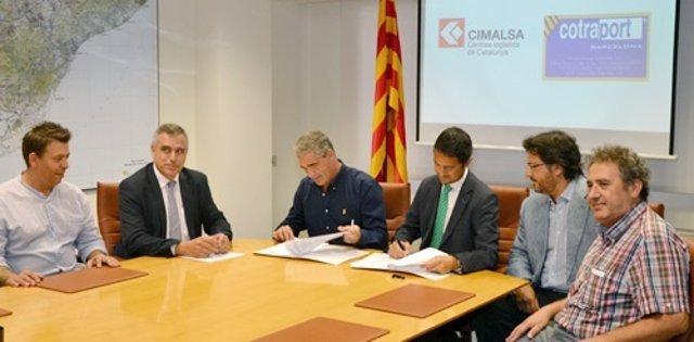 Miembros de Cimalsa firman un acuerdo con miembros de Cotraport