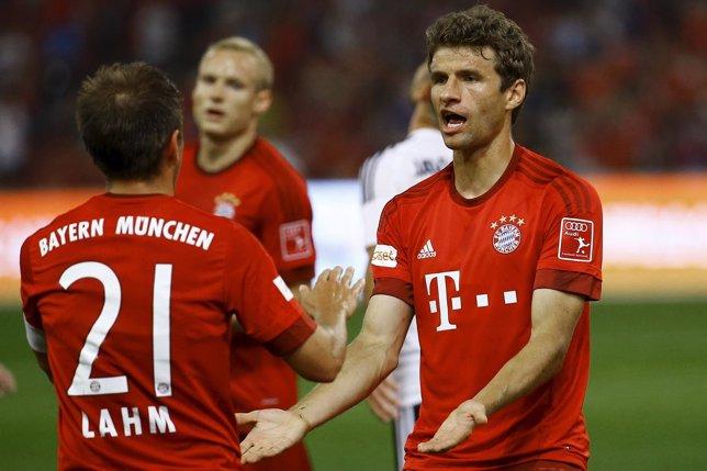 Thomas Müller FC Bayern Philipp Lahm