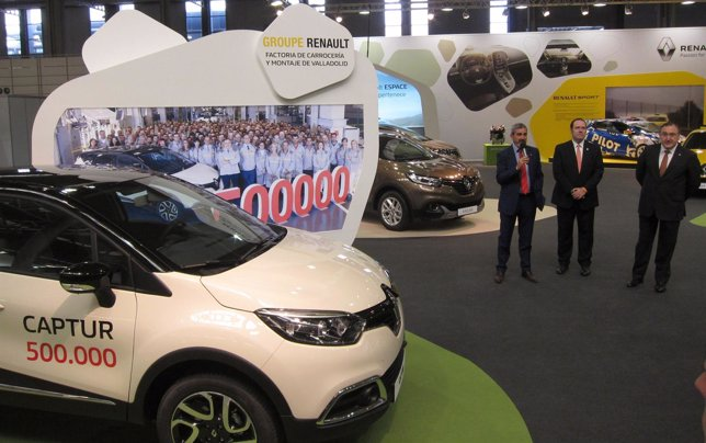 Presentación del expositor de Renault para la Feria de Muestras