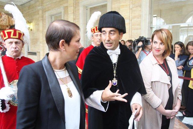 Uxue Barkos y Alfonso Sánchez-Tabernero