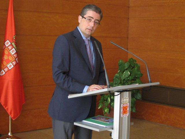 El concejal Jesús Pacheco en rueda de prensa