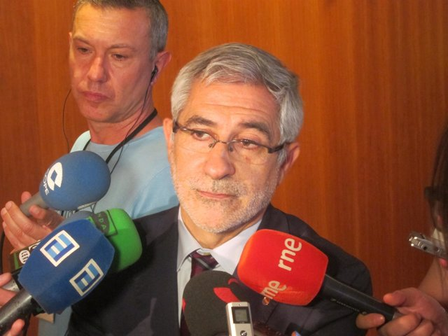 El portavoz de IU en la Junta General, Gaspar Llamazares
