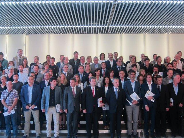 El lehendakari con los alcaldes antes del encuentro