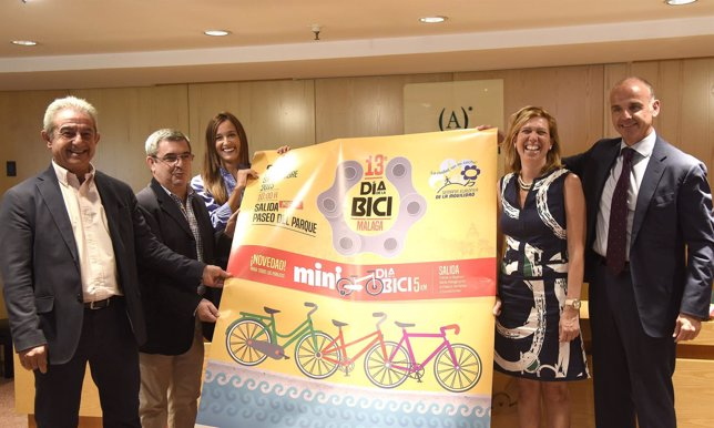 Día de la Bicicleta con las concejalas Elisa Pérez de Siles y Elvira Maeso