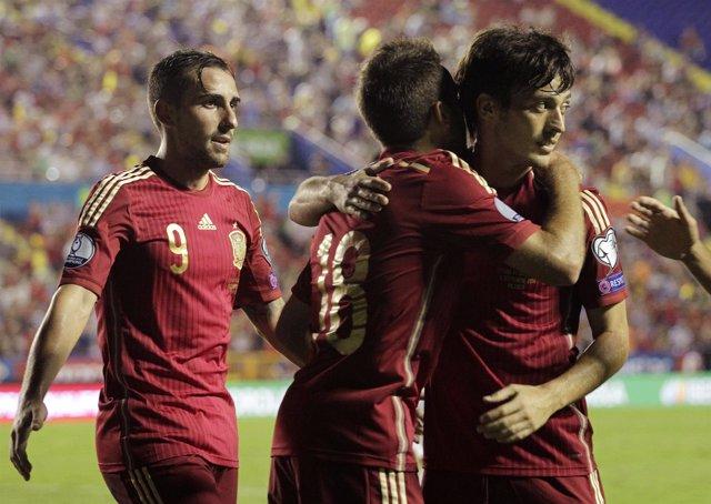 Silva Jordi Alba Alcácer selección española Macedonia