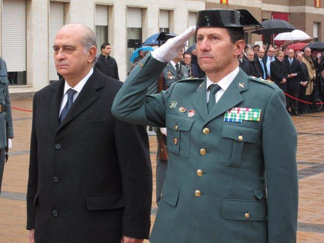 El Ministro Jorge Fernández Y El General Jefe Ángel Gozalo