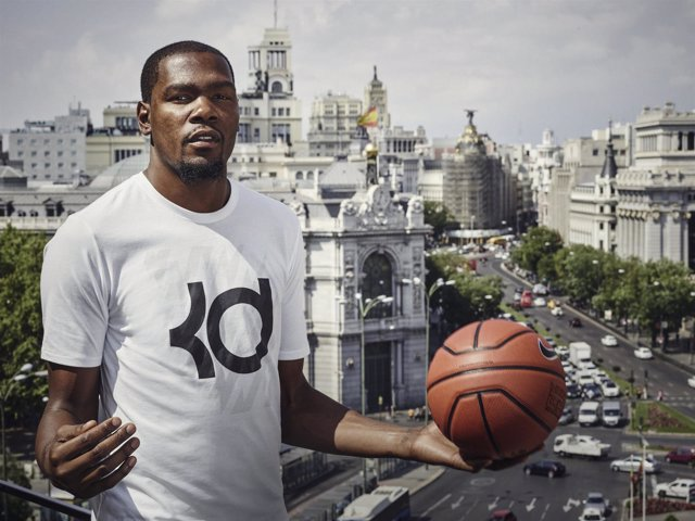 Kevin Durant, jugador del Oklahoma City Thunder de gira por Madrid
