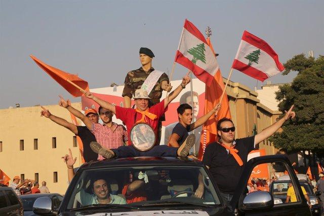 Manifestantes del Movimiento Patriótico Libre en las calles de Beirut