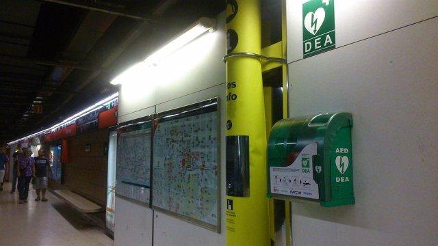 Desfibrilador en la L1 del Metro de Barcelona