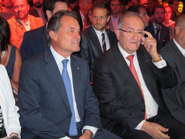 El presidente de la Generalitat, Artur Mas, y el presidente de Pimec, J.González