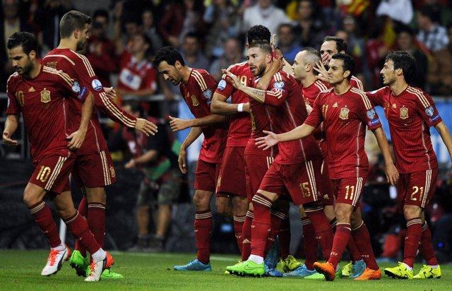 77b734db1d8 adidas seguirá vistiendo a la selección española hasta 2026