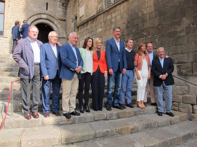 El candidato X.G.Albiol con C.Cifuentes, A.N.Feijó, J.Arenas y otros dirigentes