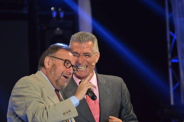Alcalde de Alhaurín de la Torre, Joaquín Villanova, y humorista Manolo Sarria
