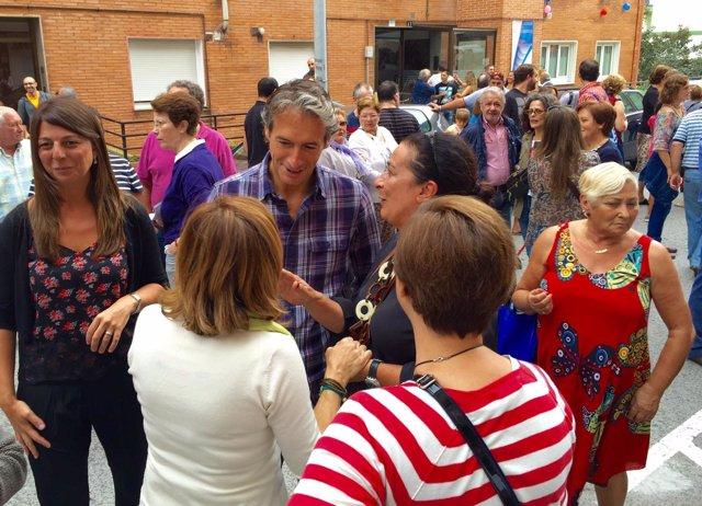 El alcalde en las fiestas de barrio Entrehuertas