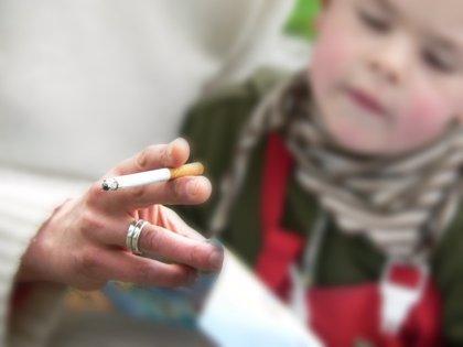 Sin fumar en coches y hogares cuando haya niños