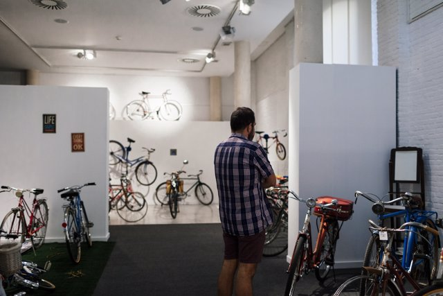Exposición de bicicletas en Las Naves