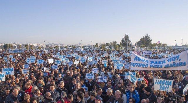 Manifestación en Huelva de la  Plataforma en Defensa de los Regadíos del Condado