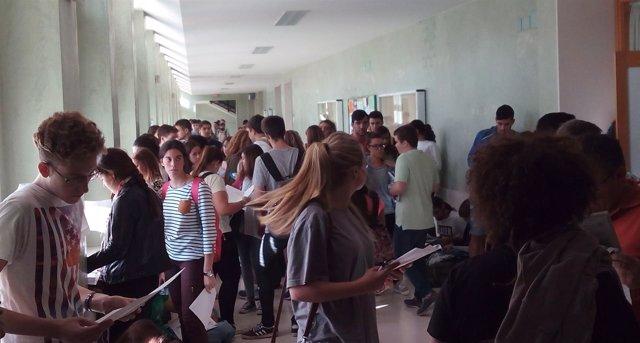 Estudiantes se examinan de Selectividad en la UPO