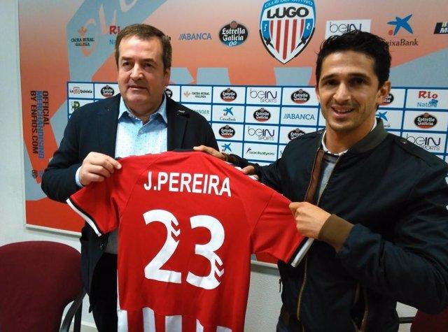 Jonathan Pereira se presenta con el C.D. Lugo