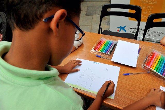 Obra Social 'la Caixa' refuerzo educativo a niños en riesgo de exclusión