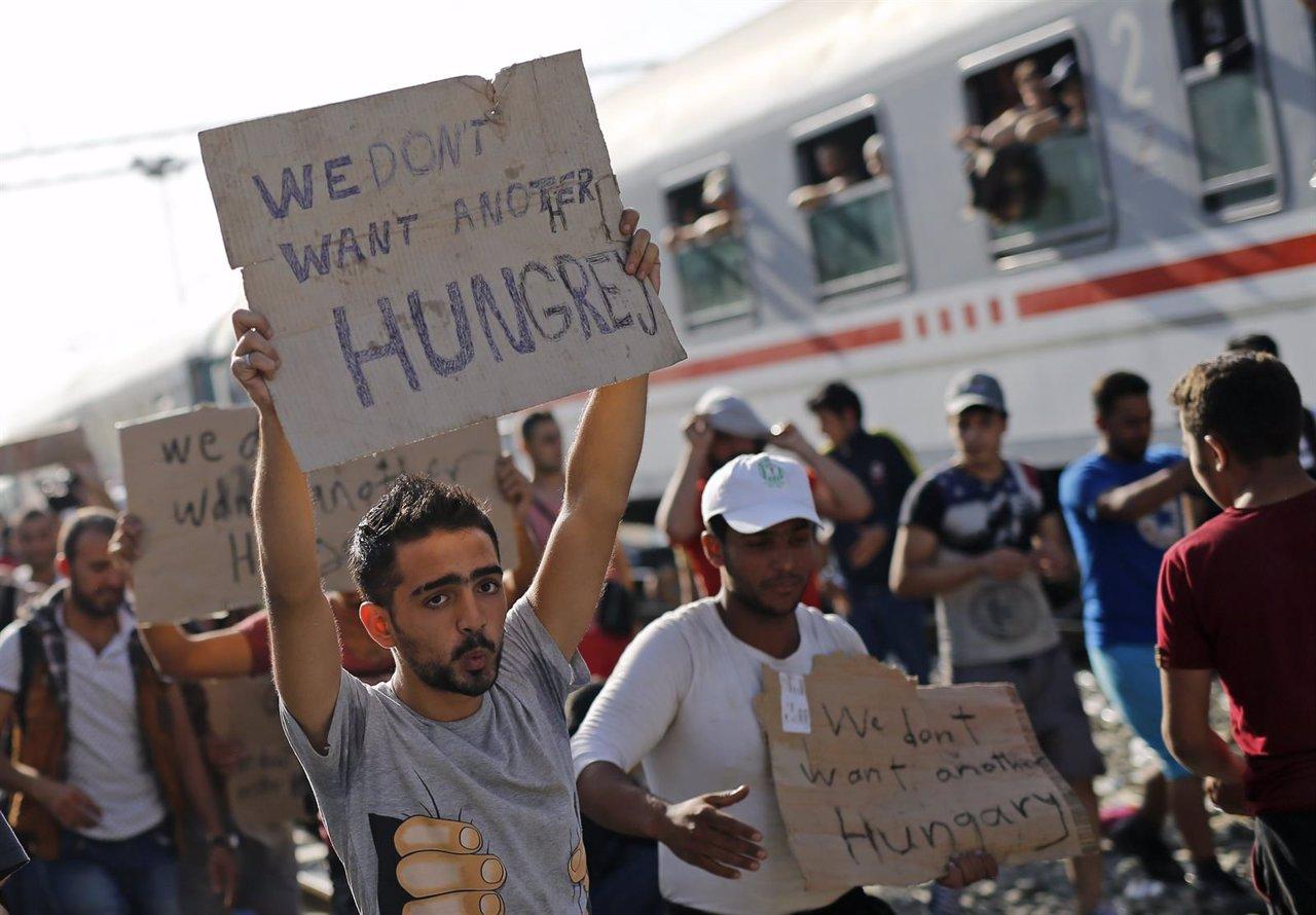 Refugiados protestan en la frontera de Croacia