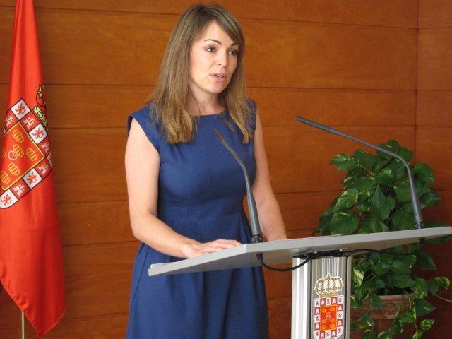 La concejal Rebeca Pérez en rueda de prensa